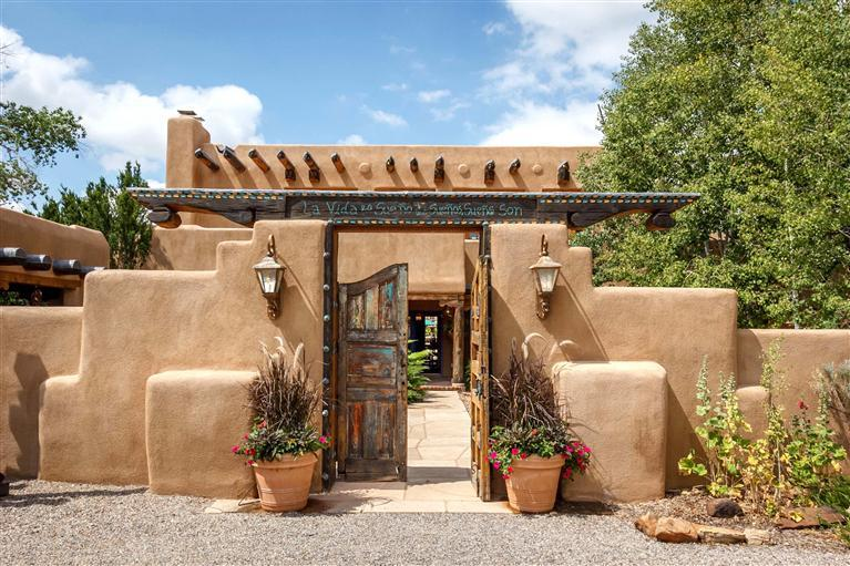 916 Old Santa Fe Trail Santa Fe Nm 87501 Mls 201202950